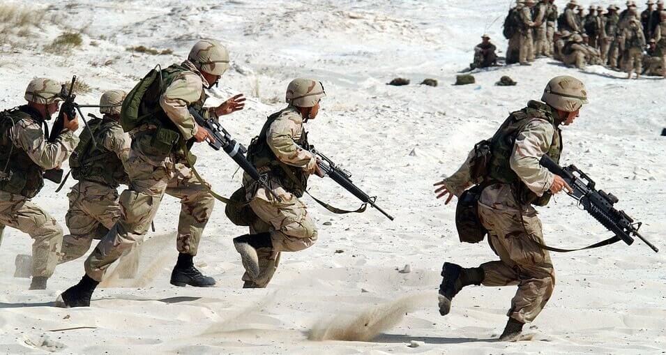 דיני צבא, הדין הצבאי, חיילים